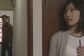 ヘンリー塚本動画 刑務所帰りの男が、元嫁の元にやってきてセックス強要