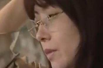 ヘンリー塚本動画 女教師の性癖はバスの車内で痴漢を待つ事