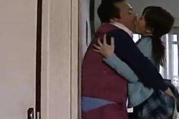 ヘンリー塚本動画 土方の親父とJK娘の、声を殺して近親相姦