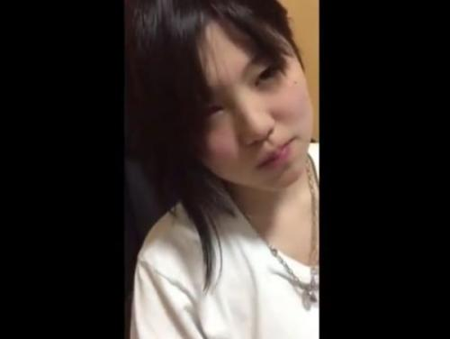 【無修正】童顔ロリ顔の激カワ彼女とのハメ撮りSEX!マン毛少ない子宮を突きまくり口内射精!
