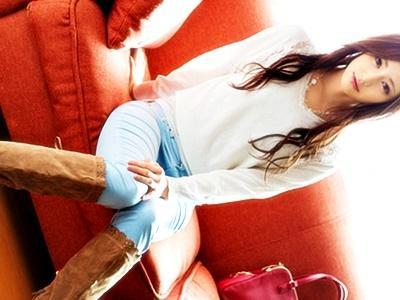スレンダー美女がパンツの股間を破られ、クンニ・電マ・手マンでクチュクチュ犯られてそのまま完全着ハメ!