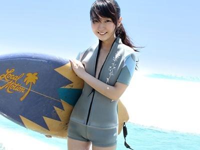 【ナンパ】サーフショップの可愛い看板娘をナンパ!ビーチでフェラ・お風呂で恥辱・ベッドで3P!!