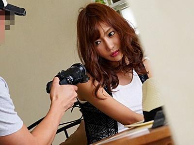 【明日花キララ】プライベートSEXの盗撮映像をネタにADから肉体関係を迫られ犯される!イヤがる怖顔が...いい!