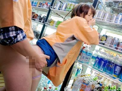 【鈴村あいり】『やめて下さい。』コンビニのバイトの娘があまりに可愛いのでバックヤードで悪戯してみた!