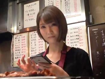 【人妻ナンパ】ヤキ肉店のA5ランクのS級人妻にアポなしハメ撮り交渉!旦那とはすれ違い...肉食人妻とガチのハメ撮り!!
