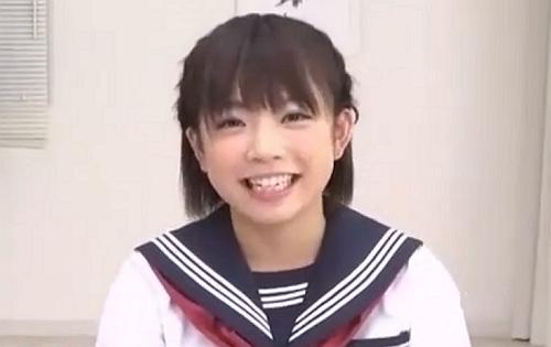 まだアクメを知らない女子校生をイカセるエロ動画!