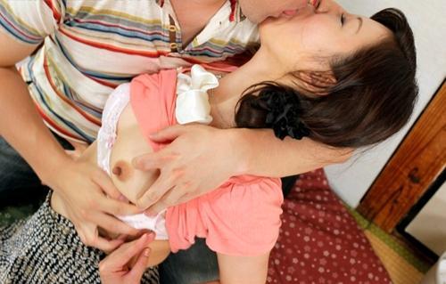 妻の入院中に義母が身の周りの世話と溜まったザーメンの処理をしてくれました!