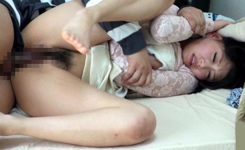 【女子大生レイプ】妊娠の確率を上げるため連続孕ませ交尾をする鬼畜!