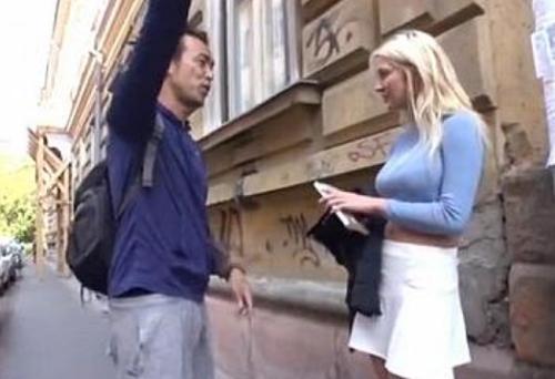 【ロシア人ナンパ】白人金髪巨乳娘をパコって中出し!