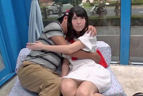 【素人ナンパ】草食童貞男子の激ピスでヨガリ狂う看護学生!
