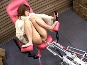 高速ピストンバイブ搭載のアクメマシンが完成!想像を絶する快楽に痙攣絶頂するお姉さん! 長澤リカ