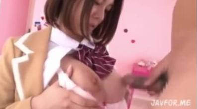 【松岡ちな】制服美少女はお〇んこをぐしょぐしょにしてチンポをしゃぶる