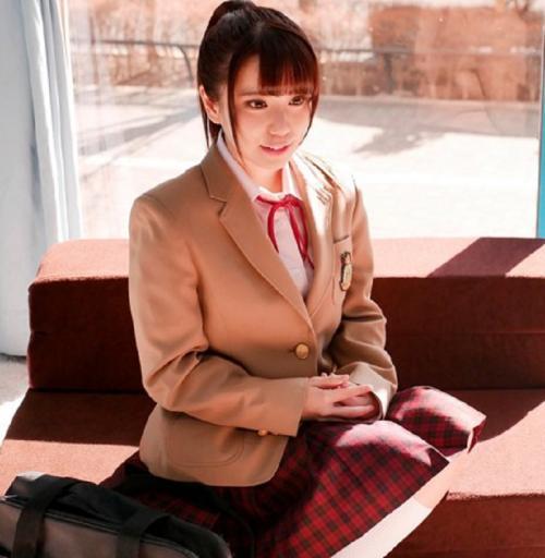【マジックミラー号】下着のモニター調査と称して、お洒落系女子○生に乳もみインタビューを実施!