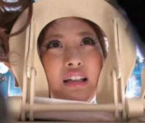 【アダルト無料動画】真夏のビーチでギャルカップルの彼女を寝取って生ハメ中出したった![MM号]