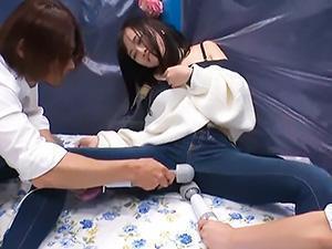 「彼氏よりもきもちい♡♡」マシンのハイパーピストンに未知の性感帯を初刺激された彼女は、腰をガクガクふってイキまくる!!
