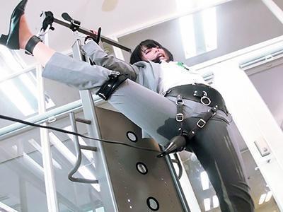 『ああん、いっぐうぅぅ~♥♥』激カワ女子社員が固定されて、強力電マでイキまくる!!