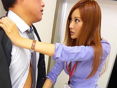 「ほんと、使えないダメ社員ね...♡♡」女上司の彼女にちんちんを鷲掴みされて、社内で騎乗位SEX!!