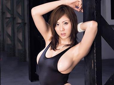 「ああん♥ハァハァ♥♥」レオタードからはみ出しそうな爆乳のお姉さんが、トレーニングでマン筋がくっきり!!
