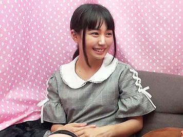 『何で脱いだんですかww..///』田舎から上京してきたピチピチの十代のウブな娘に、強引にチンポを見せつけ都会の洗礼を受けるww<素人ナンパ企画>