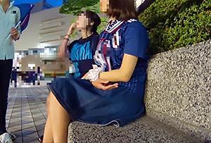 〖素人ナンパ〗『何、取材ってww』夜の街でお姉さんに声をかけて、インタビューと称してエッチなことしちゃいますww