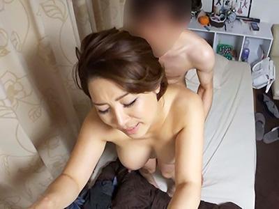 「もっと、突いてえぇぇぇ♥♥」ナンパ部屋にやってきて、ヤリチンとヤリまくる赤裸々な痴態が盗撮される!!