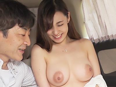 『おっぱい、でけえぇぇ!!』性欲が満たされていない人妻が、上京した奥さんに媚薬を使用して不倫セックス!!