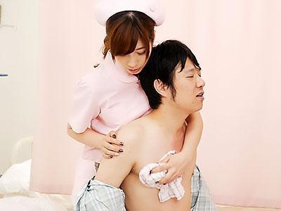 『おっぱい、でけえぇぇww』激カワな巨乳看護師が、患者のチンポをフェラして騎乗位SEX!!