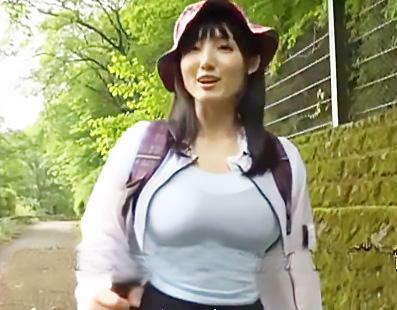 「こんにちは!!」爽やかに山を歩く爆乳のお姉さんを捕まえて、徹底的に調教するとアナルでイク変態になったww