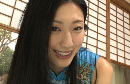 【芸能人】あれ…マンコ見えてね…?壇蜜さん(37歳)のパイパンどアップ映像がアウトだと話題になったIVがこちら