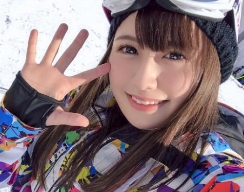 【素人ナンパ】一人でスキー場に練習に来てた歯科衛生士(21歳)を口説いてハメ倒した一部始終w