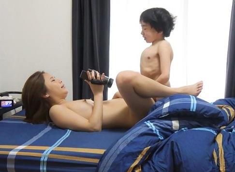【おねショタ】AV女優が109cmの少年とセックスしたプライベートビデオが流出!