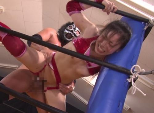 負けたら即レイプ!現役の女子プロレスラー「愛弓」がプライドをかけて男とガチ対決した結果wwww