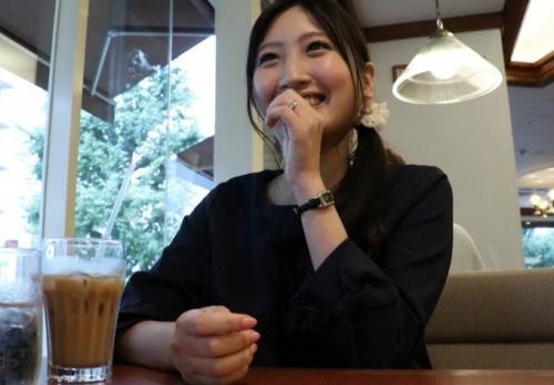 【初撮り】『誰でもいいから抱かれたいんです…』欲求不満の限界がきた清楚妻(28歳)が1年ぶりのチンポに大興奮!