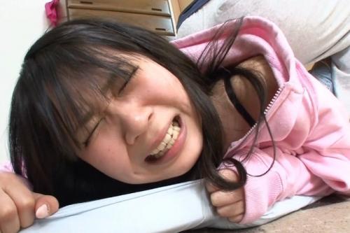 【近親相姦】『バッカ!抜いてぇぇえ!』女子校生の妹とふざけてプロレスしてたらチンポが入っちゃう大ハプニング!