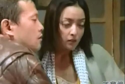 [ヘンリー塚本/星沢レナ]物欲しそうな目をしているお前さんが悪いんじゃー、というおじ様。そんなご無体な!