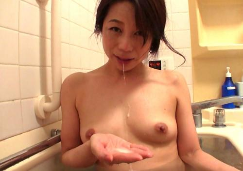 【二ノ宮慶子】五十路義母にマッサージしたら下着丸見えw風呂フェラで口内射精、中出しSEXでお掃除フェラ☆