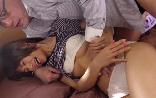 【川上奈々美】清楚な貧乳美人妻、借金の為身体を投げ出し寝取られSEXで顔射!