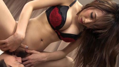 【蓮実クレア】射精の瞬間見せなさいよ!射精直前まで上に乗ってた痴女に寸止めされて自分で手コキする男!