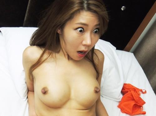 日本のデカチンコに韓国人美女ビックリwww乳首勃起した巨乳揺らし、おマンコ奥刺さる快感に悶絶☆