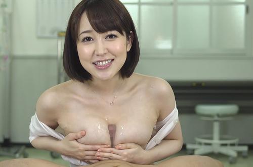 【篠田ゆう】イケナい女教師が柔らかオッパイで生徒の肉棒を包み込むw