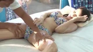 【マジックミラー号】若奥様をビーチでナンパ不倫セックス!若妻が手マンで感じまくる!強制イラマチオ!バコバコ生ハメ中出し!