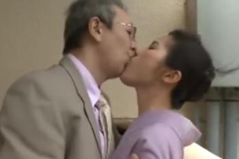 ヘンリー塚本動画 紳士な老人が綺麗な着物熟女と不倫関係