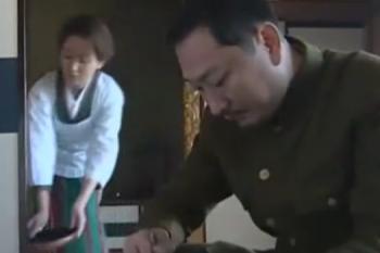 ヘンリー塚本動画 戦死した夫の兄が家に訃報入れ墨ヤクザが妻を抱く