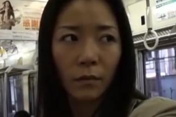 ヘンリー塚本動画 電車で出会った淫乱女【パンティ履いてません】