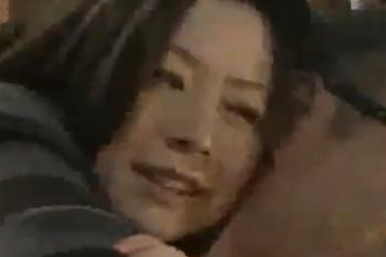 ヘンリー塚本動画 小鳥遊恋 お父さん!きちゃった!と後ろから抱きしめセックス求める