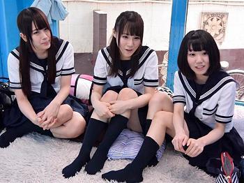 ◆マジックミラー号◆修学旅行で上京中のウブな制服JKと集団乱交!制服ぶっかけ!