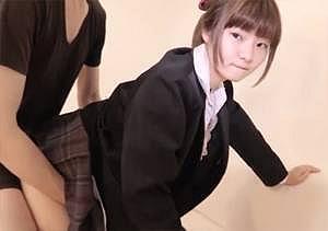 ◆個人撮影◆ガチでパイパンの美少女JKと援交ハメ撮り!最後は制服にぶっかけ!