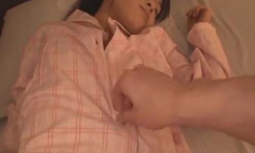 【女子中学生】性奴隷と化している少女を夜這いして・・・【ロリ陵辱】