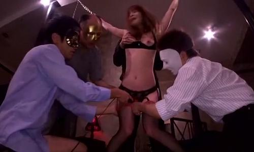 【お姉さん】仮面の男たちに拘束された女性が陵辱されていく・・・【拘束陵辱】