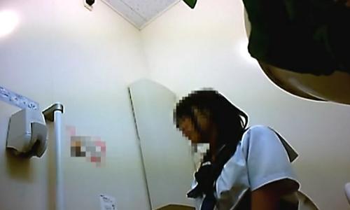 【女子高生】女の子たちが無防備にトイレでおしっこをし出ていく姿を盗撮【トイレ盗撮】